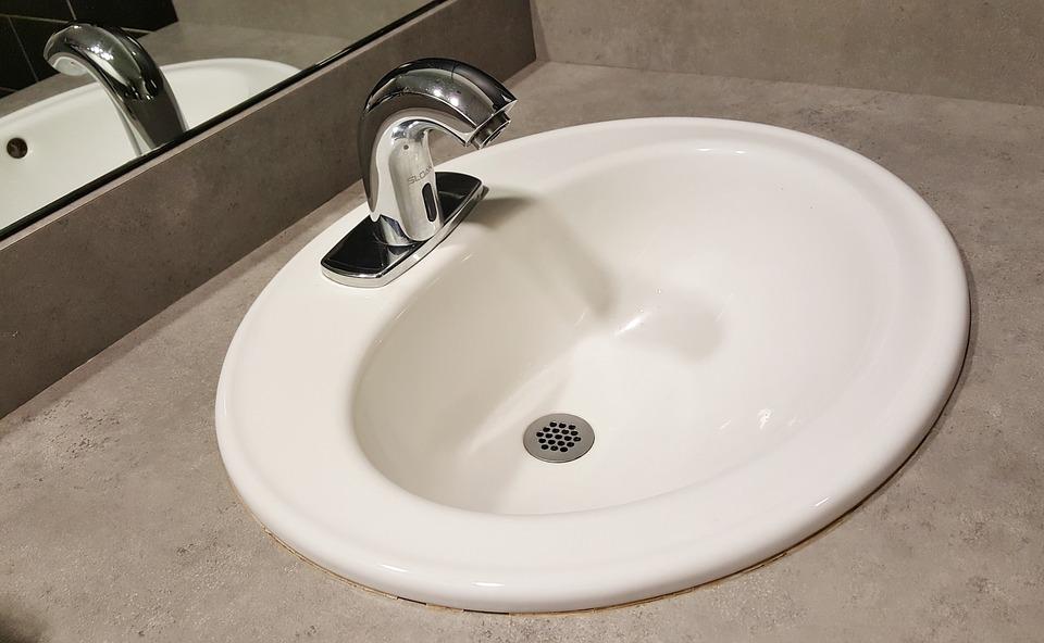 wpuszczana umywalka prosto w blat